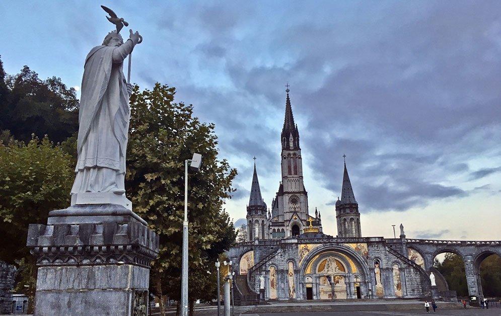 Parrocchia-Nostra-Signora-di-Lourdes-statua