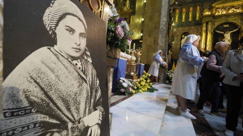 Bernadette miracolo a Lourdes