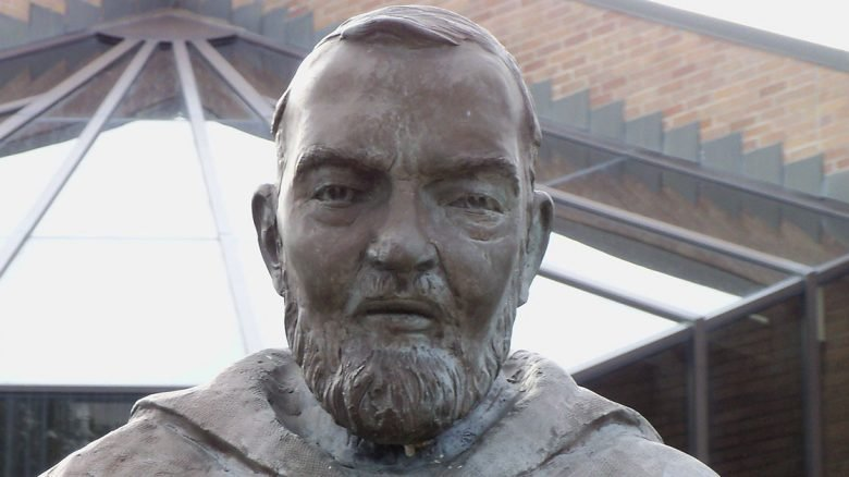Statua-Padre-Pio